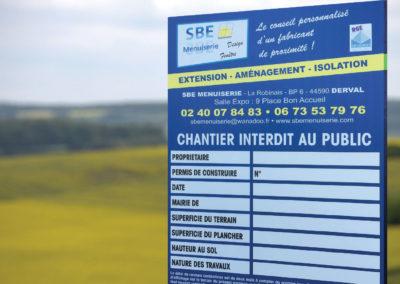 p2id-panneaux-de-chantier-pour-SBE-MENUISERIE-Derval